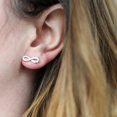 Silberne Infinity-Ohrringe mit Zirkonia__1022481__1