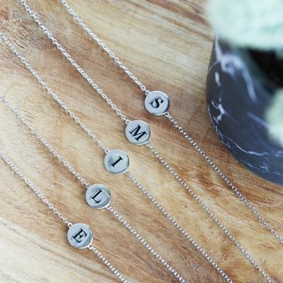 Rhodiniertes Silberarmband Alphabet__1048842__2