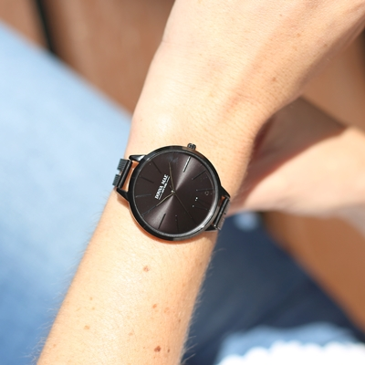 Donna Mae horloge met zwart kleurige mesh band