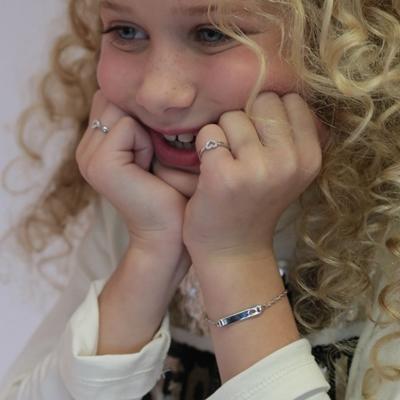 Silbernes Kinderplattenarmband Herz__1036162__1