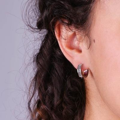 Stalen oorbellen black diamond kristal