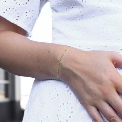 9 Karaat armband met fantasieschakel