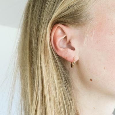 9 Karaat oorbellen rib rond