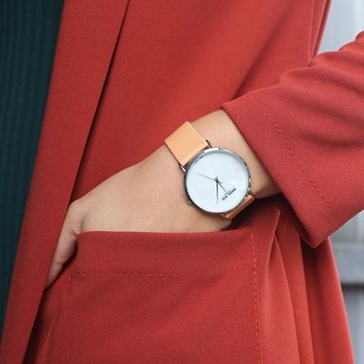 Donna Mae horloge met zandkleurige leren band