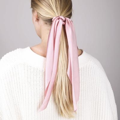 Roze scrunchie met sjaaltje__1058345__1