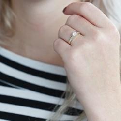 Solitär-Ring aus 375 Gold mit Zirkonia__1050448__2__thumb
