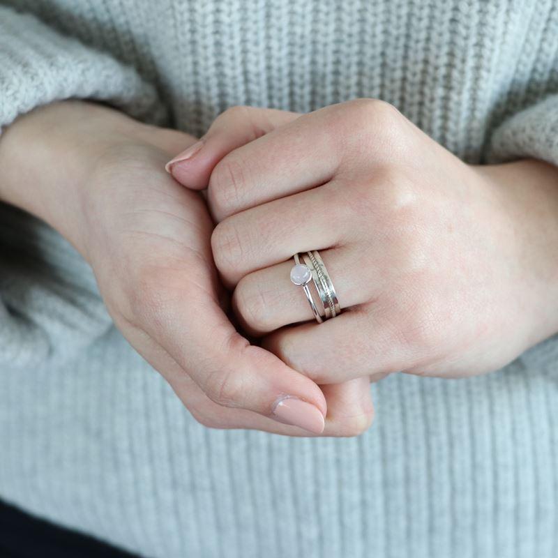 Zilveren ring rond rose quartz Bali__1048038__1